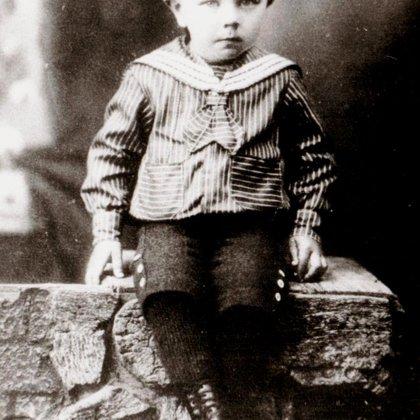 Aleksandrs (apm. 1925. gads)
